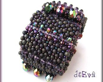 OOAK beadwork - Bold statement bracelet in matte and iris purple - K 66 - Enchanted
