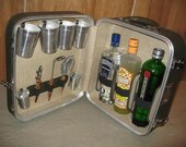 Jet Set 1960s TRAVELLING bar tools SUITCASE locks