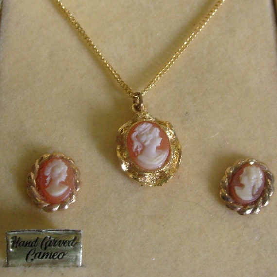 Vintage cameo necklace and earrings set in box