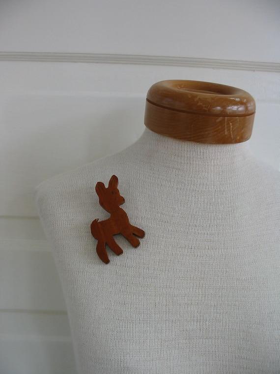 Vintage Brooch Pin Jewelry Deer Wood  Animal Accessories