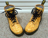 orange orange ORANGE alligator print doc marten boots, size 7