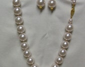 Big Pearl Necklace and Earrings Light Pink Color