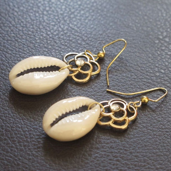 Blossom Cowrie Shell Earrings
