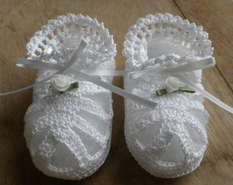 White Crocheted Baby Sandals, Crocheted Baby Booties, Baby Girl Sandals, Christening Booties, Blessing Booties, Newborn Baby Booties