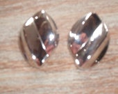 Vintage Silver Clip On Earrings in Excellent Condition