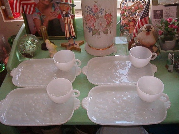 Vintage Beautiful Set Shabby Chic  Milk Glass White Luncheon Plates and Cups