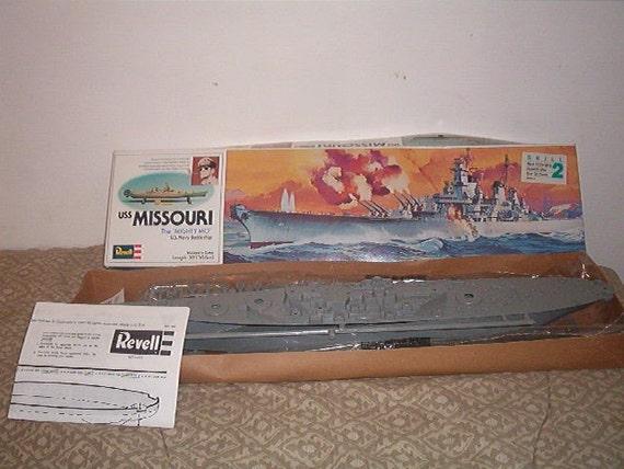 1977 1987 Revell  USS MISSOURI The Mighty Mo U.S. Navy Battleship MODEL KIT