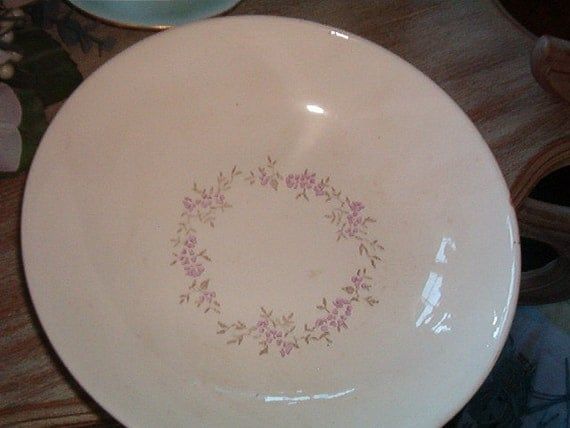 Vintage Stetson Creation Hand Decorated Underglaze An Ovenproof SERVING BOWL White with Lavender Flowers