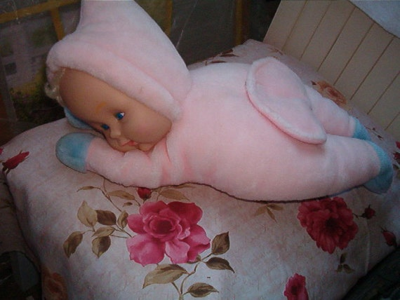 Sweet Vintage Rubber Face Zippper Bottom Pouch Baby Bed Doll