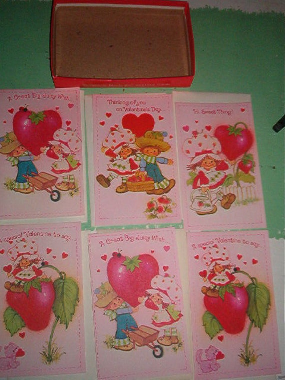 1982 Set of 6 Cards and Envelopes Unused of Strawberry Shortcake for Valentines Day