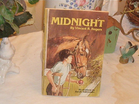 1984 Childrens Softcover Book Midnight By Vincent R. Rogers Illus Sandy Rabinowitz