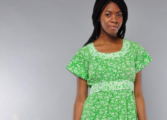 Vintage 1970's Empire Waist Dress .. Handmade Midi-Skirt .. S M .. Green & White Floral Print