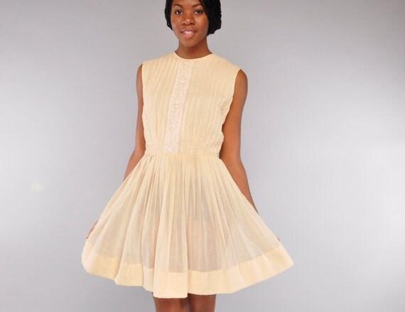 Vintage Sheer Cream Pleated Sleeveless Day Dress  // Embroidered Bodice // Full Skirt // M //