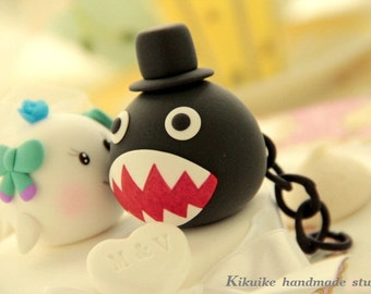 chomp and boo  wedding cake topper----k721