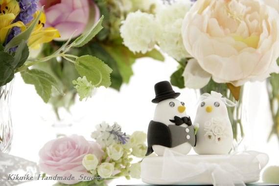 birds with swallow-tailed coat, tuxedo wedding cake topper (K316)