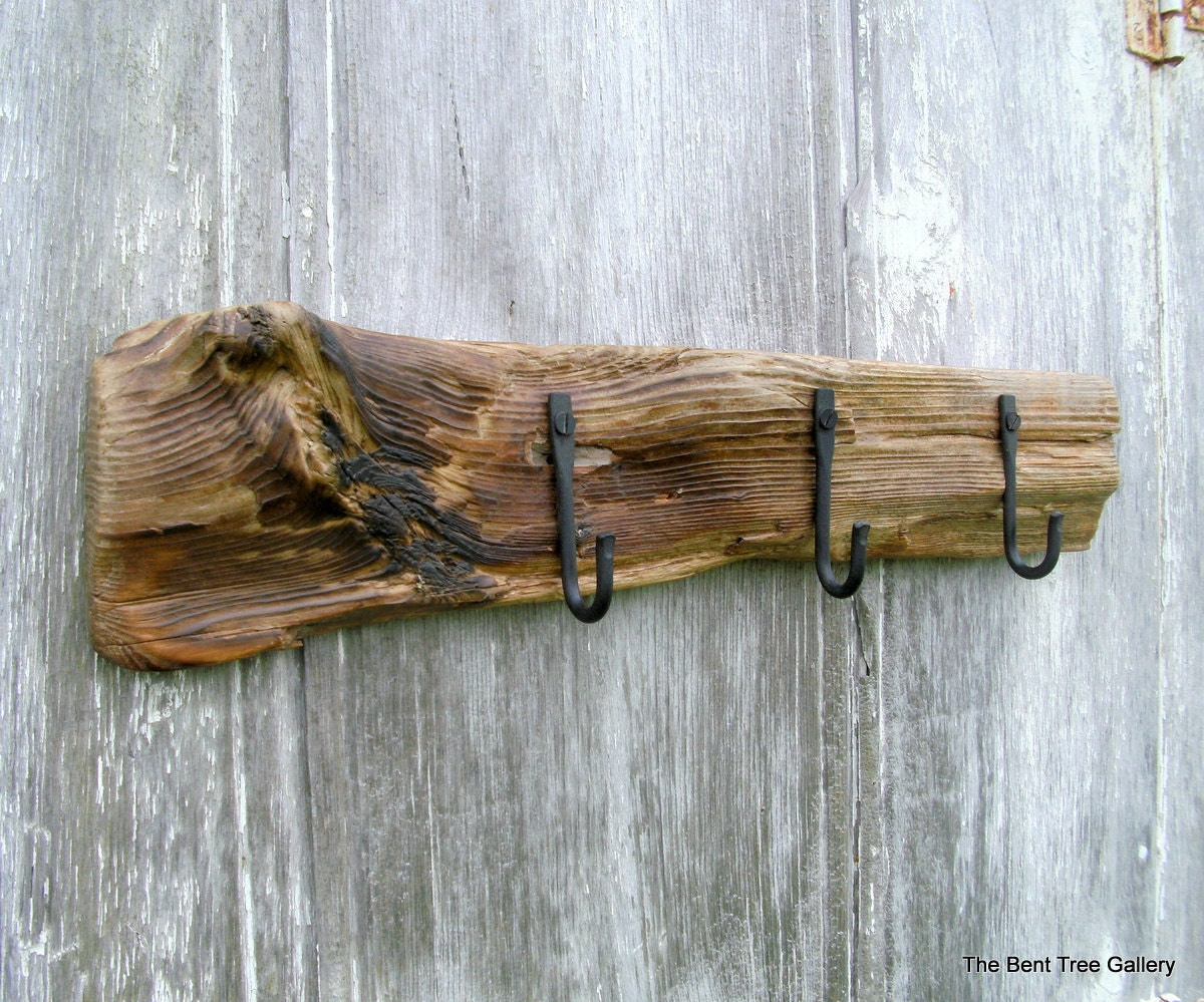 Driftwood wall rack with 3 iron hooks for Driftwood wall