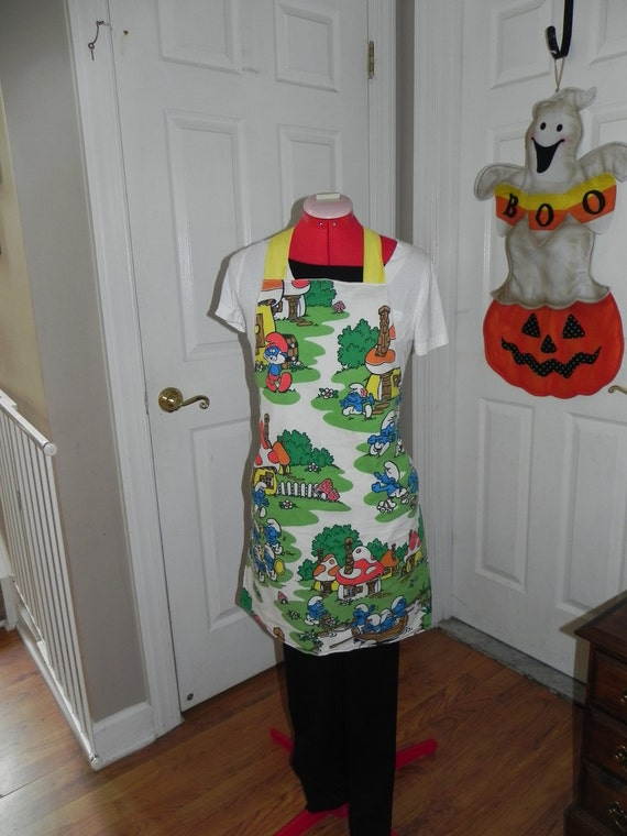 Apron made with Smurf bedsheet (not a licensed product)