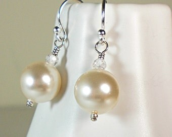 Swarovski pearl drop earrings,Swarovski pearls,sterling silver,pearl drop earrings,pearl earring,wedding gift,bridal jewelry,cream pearl