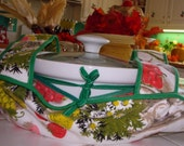 Kitschy Casserole Carrier for holiday dinner at Aunt Bertha's / Free Shipping