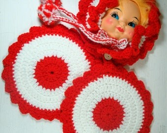 Vintage Crochet Doll Pot Holder,  Red and White Retro Kitchen Decor, Kitschy, Mid Century Decorative Wall Hanging  (398-11)