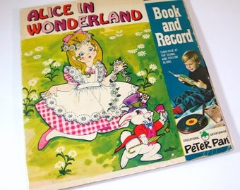 Vintage Alice In Wonderland, Children's Story Teller Book And 45 RPM Record No. 1943   (489-12)