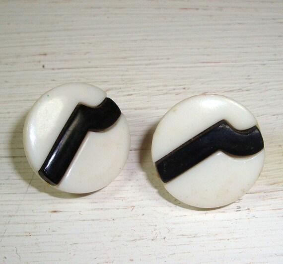 Vintage Black White Clip Earrings