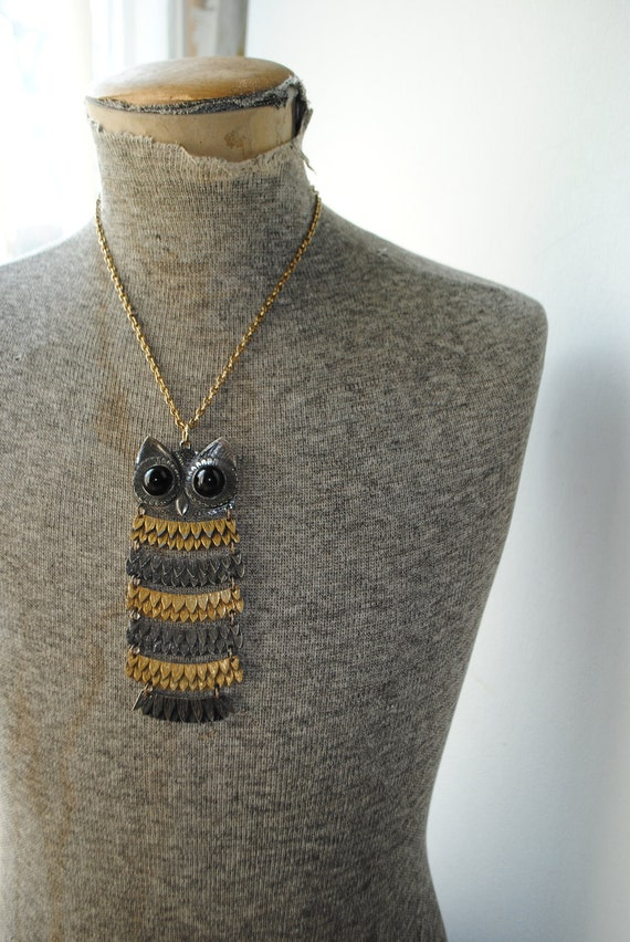 Runway vintage 70s  necklace with extra large,dangle owl pendant.