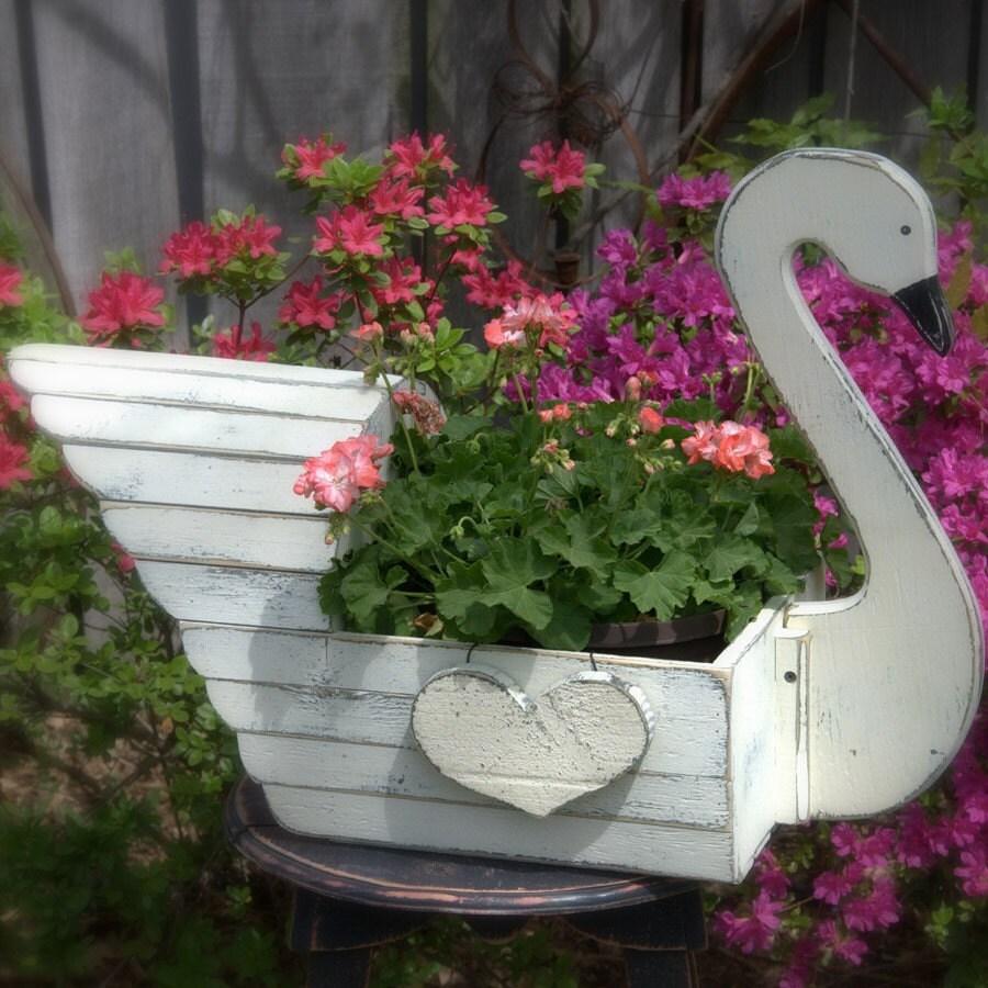 Elegant Swan Planter