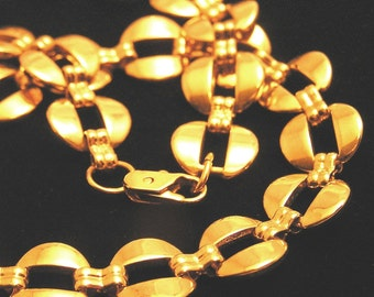 Vintage 1980s Necklace with Gold Colored Links. Jtin