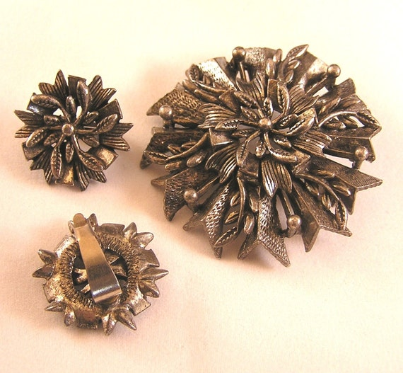 Vintage Brooch and Earring Set by Miracle. Made in England. Pewter or Gunmetal Color. J42