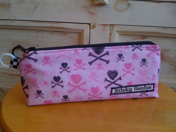 """Hearts and Crossbones """"Cool Case"""""""