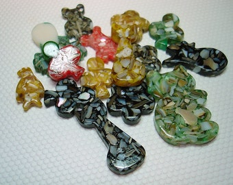 Mixture of Shell and Resin Shaped Beads (Qty 15) - B957