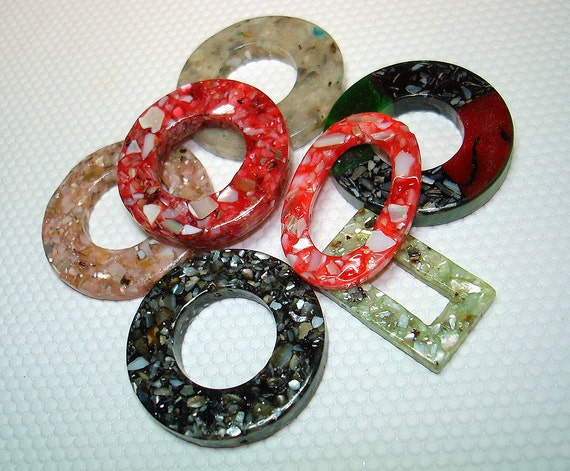 Mix of Resin and Shell Focal Beads (Qty 7) - B958