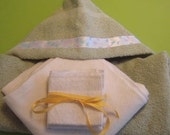 Baby Gift Set - Organic Towel, Blankets and Wipes