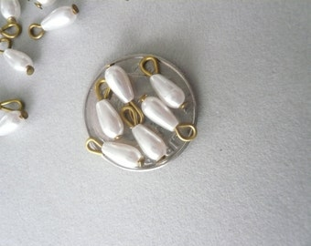 Tiny Vintage Glass Pearl Teardrops (12)