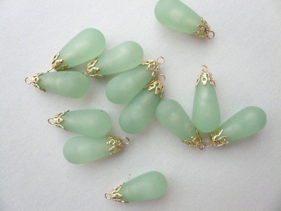 Vintage 23 x 11mm Sage Green Matte Teardrops Plastic or Resin  (12)