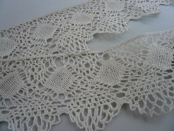 Antique Hand Crocheted Natural Off White Lace Trim Lot 431