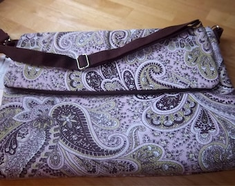 61  60 Pink and Brown Paisley Lap top Bag