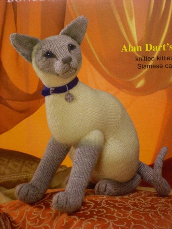 ALAN DART Sirdar Siamese Cat Toy Knitting Pattern NEW