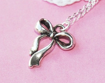 Silver Ribbon Bow Necklace  (D3H3)