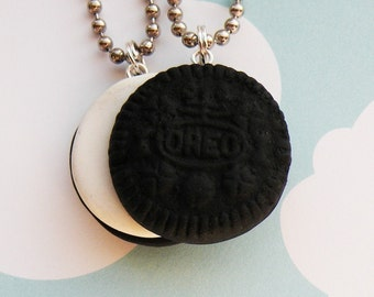 Oreo Best Friends Necklace - Set of 2  (R2F3)