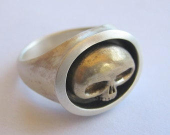 skull rings - ALIEN SKULL RING heavy sterling silver shank and bronze skull