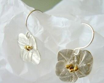 Florcita earrings, flower, gold, delicate, sterling, love, vantine, white,organic, small, light, cheap