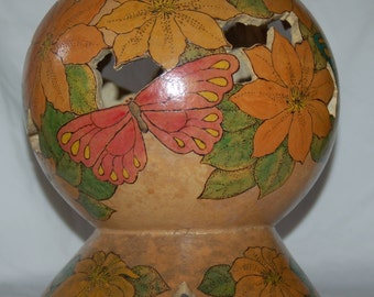 Gourd Flower and Butterfly Globe