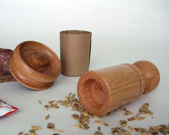 Garden Paper Pot Maker (Red Oak)