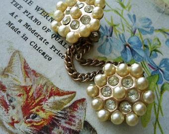 Sweet Little Vintage Chatelaine Brooch