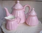 Child's Scalloped Tea Set