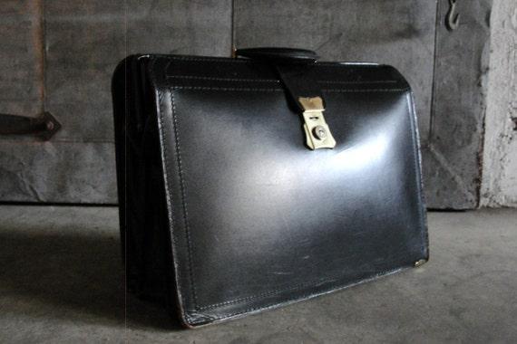 Vintage Attache . Doctor Bag Leather Cowhide Large Brief Case