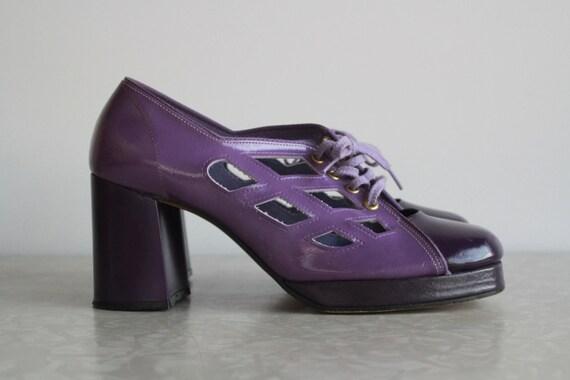 1970s Purple Platform Cut Out Shoes . Unbelievable . Disco Heels