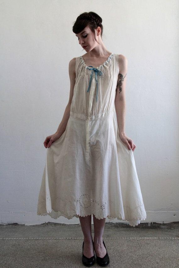 1900s Gown . Antique Wedding Dress . Summer . Cotton . Vintage Bridal Attire